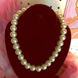 Nice Faux Pearl Necklace